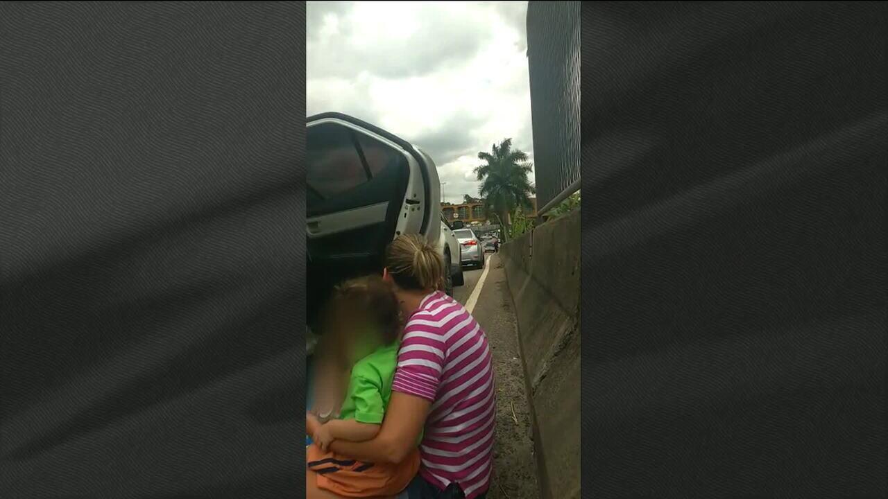 Violência deixa mãe e filhos reféns em uma das principais vias do Rio: a Linha Amarela