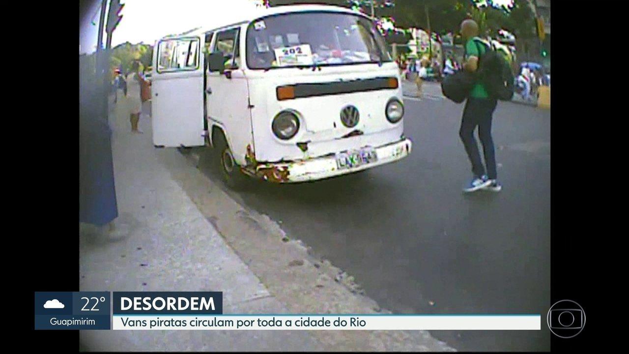Vans piratas circulam livremente por todas as regiões do Rio