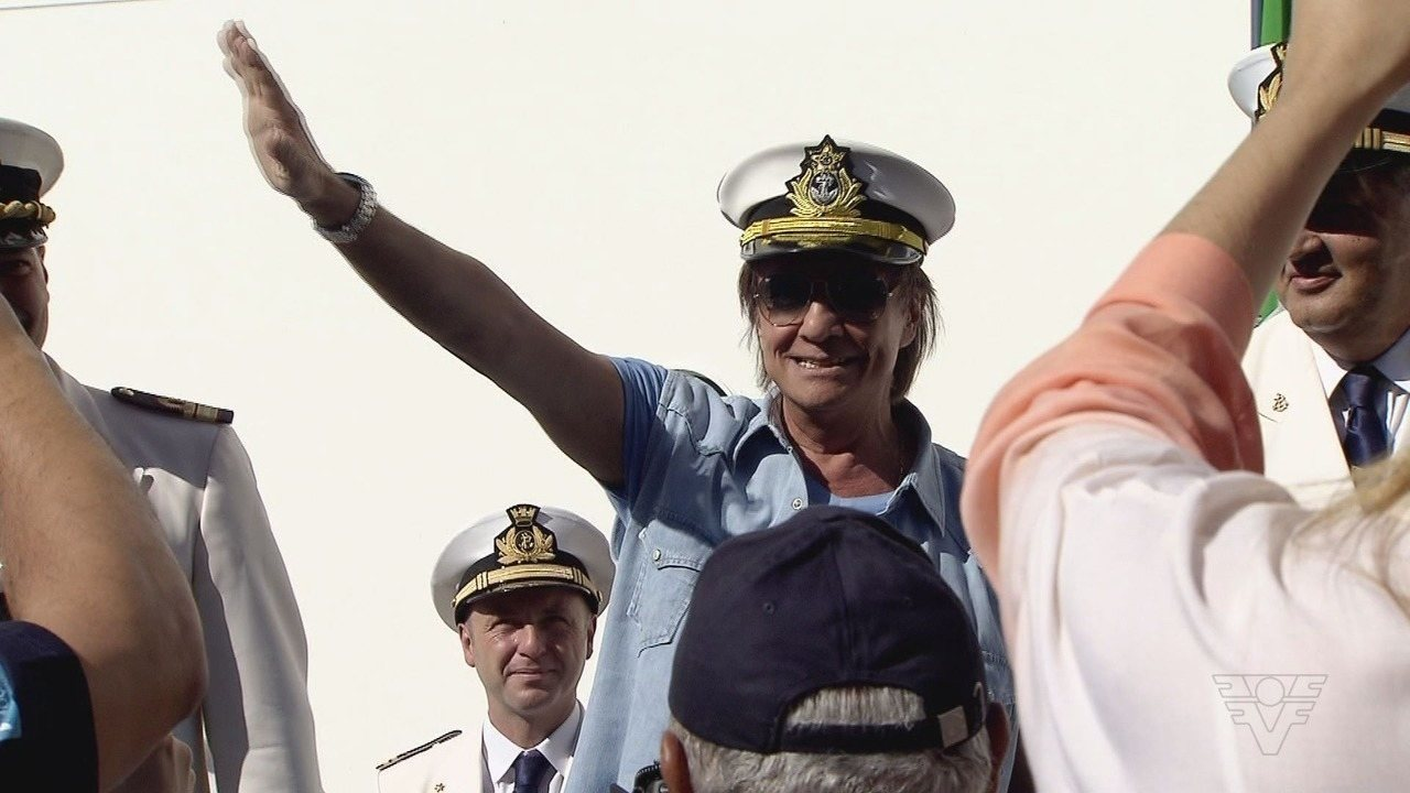 Roberto Carlos embarca para mais um show especial em cruzeiro marítimo