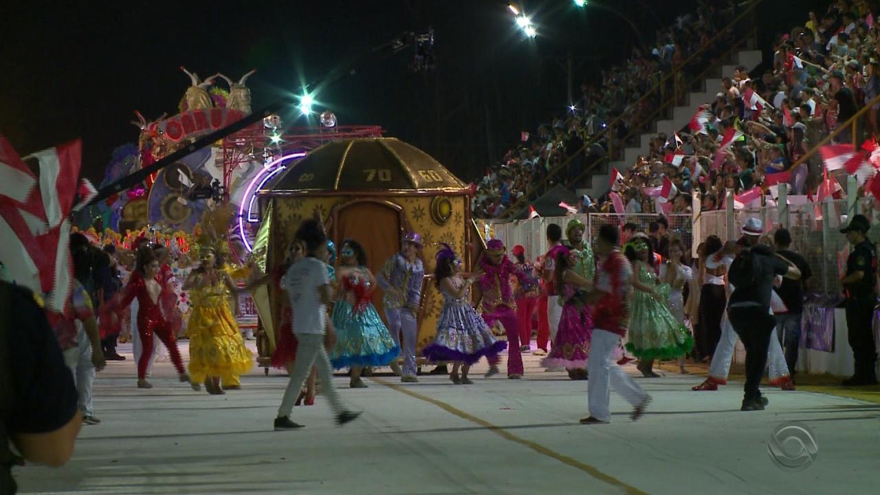 Mistura de sotaques e animação marcam carnaval na fronteira do RS ... 31344471bfd93