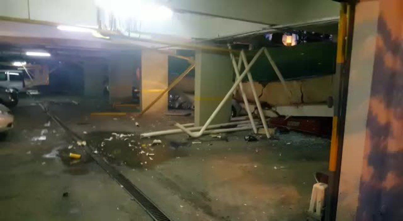 Piso cede e esmaga carros estacionados em garagem no Distrito Federal