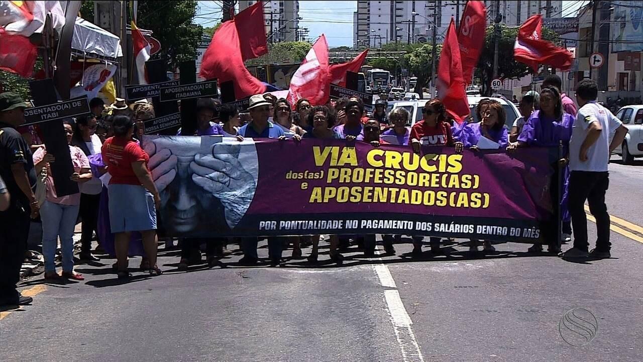 Centrais Sindicais realizam protesto contra o Governo de Sergipe