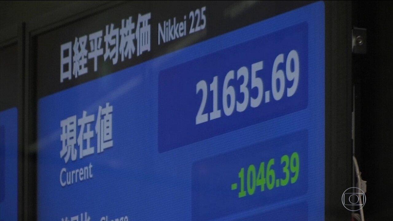 Bolsas de Valores da Ásia despencam, seguindo tendência global