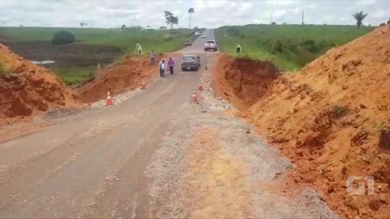 Tráfego em trecho de rodovia que rompeu deve ser feito por desvio para reconstrução definitiva da área