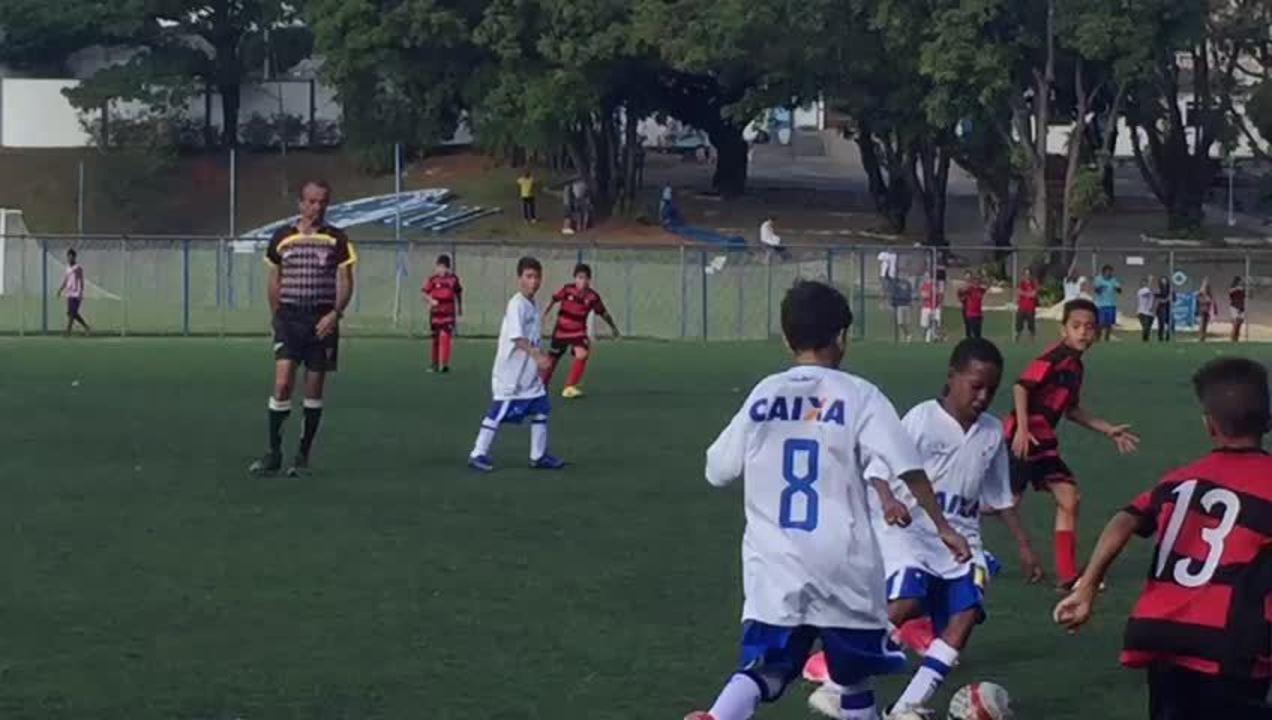 ec132b7baf Estevão Willian tem habilidade e gosta de partir para cima dos adversários  (arquivo pessoal)