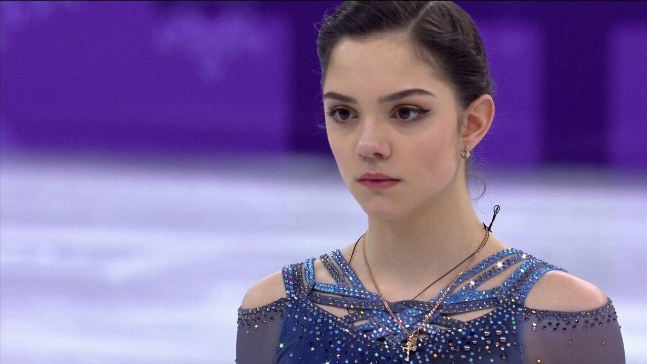 Evgenia Medvedeva faz apresentação perfeita e fica em primeiro na patinação artística