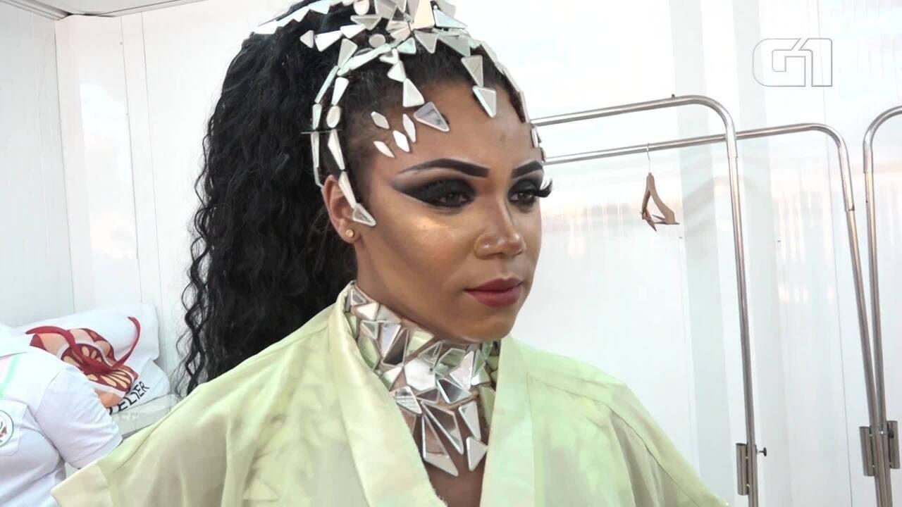 Rainha de bateria da Mangueira faz mistério sobre a sua fantasia