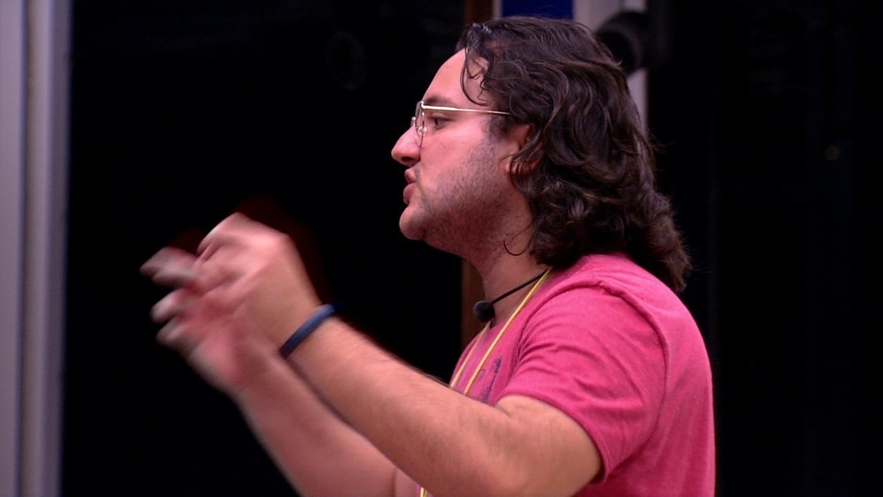 Paula dispara para Diego: 'As pessoas acham realmente o que elas colocam na placa'