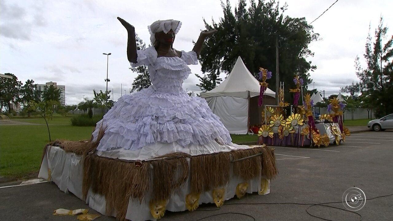 Desfile das escolas de samba é realizado nesta terça-feira em Sorocaba