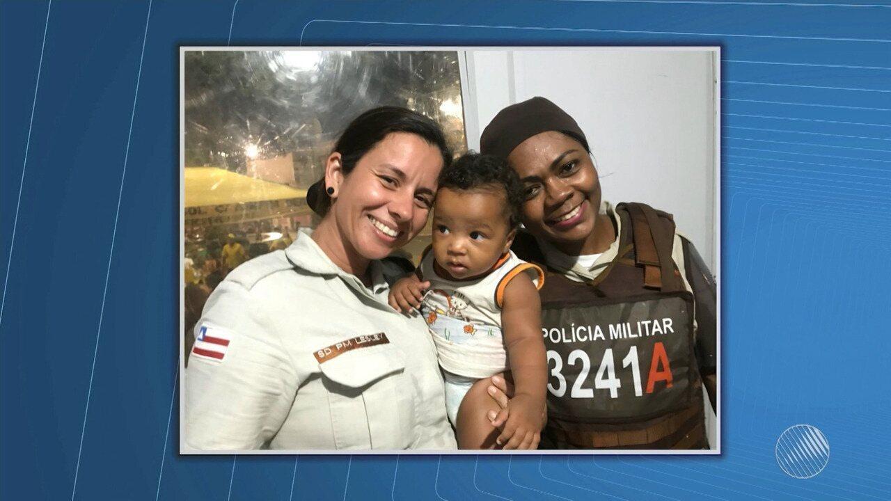 PMs resgatam bebê durante a operação de carnaval em Lauro de Freitas