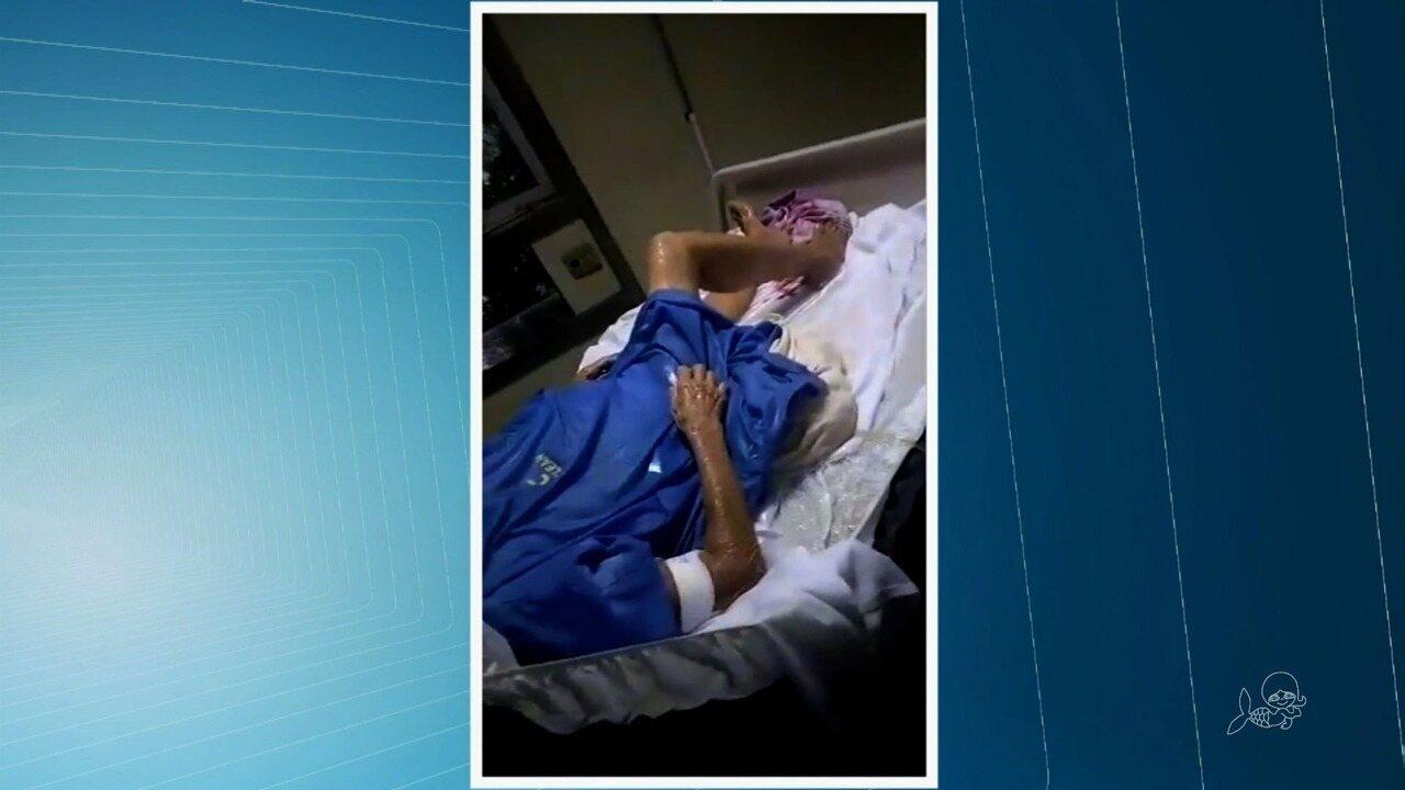 Hospital de Iguatu fica alagado e pacientes são removidos após chuva alagar unidade