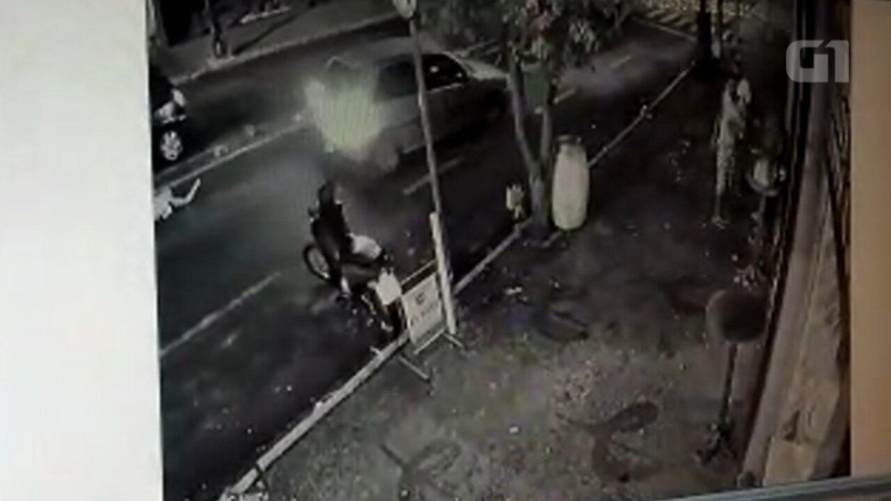 Câmeras de segurança flagram momento em que homem é atropelado em  Tupã