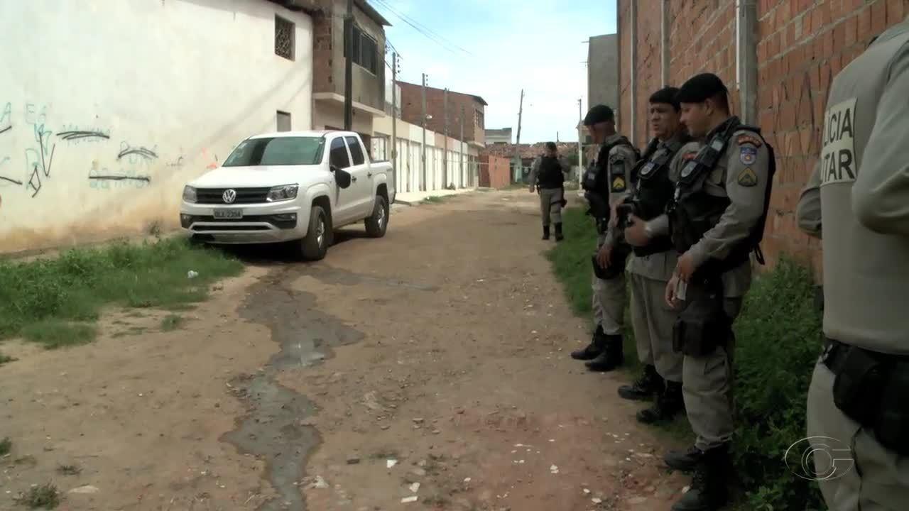 Carro oficial da SSP é levado em assalto enquanto comandante-geral lanchava
