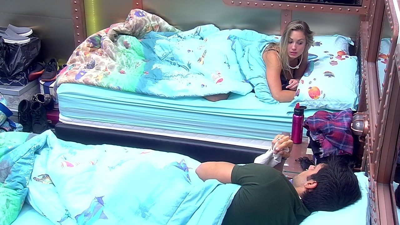 Jéssica conta para Lucas: 'Não consegui dormir nada'