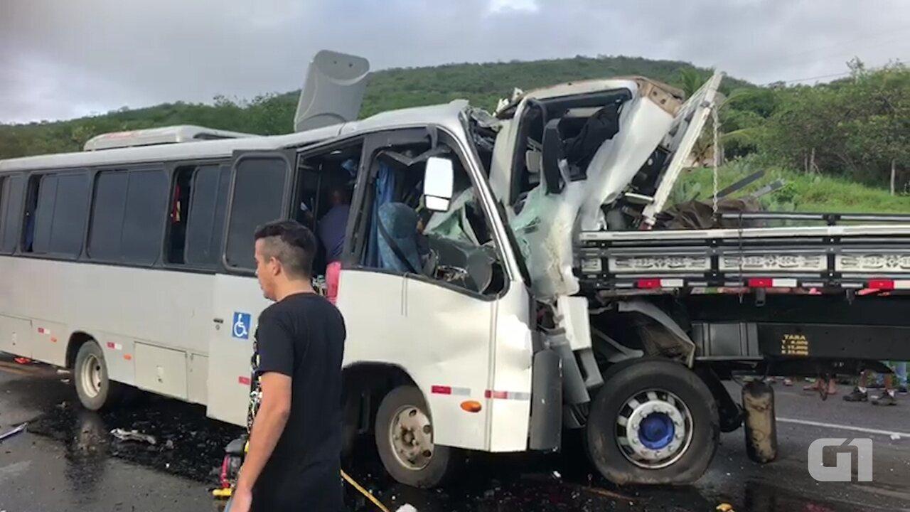 Acidente ocorreu no trecho da cidade em Manoel Vitorino, no sudoeste da Bahia