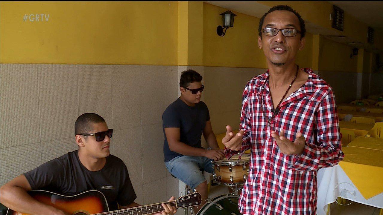 Banda Dom Pilé e a Máfia se apresenta em Petrolina com pop rock dançante