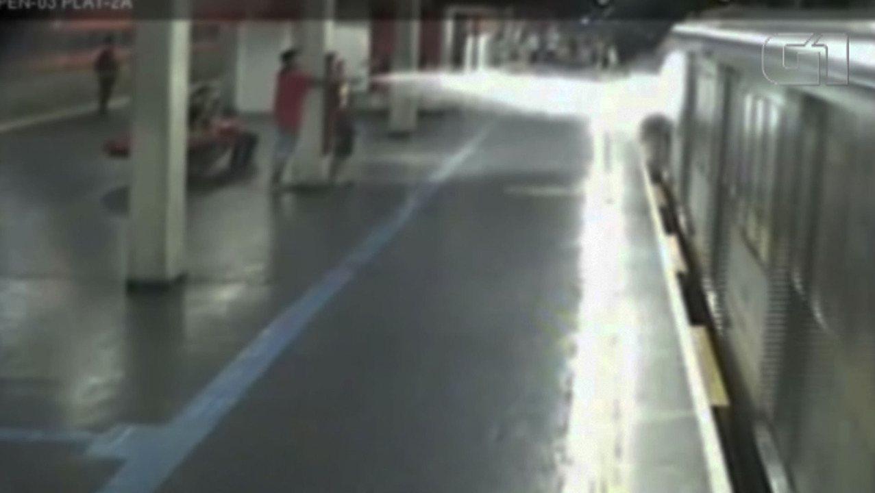Imagens exclusivas mostram brigas e invasões de trilhos no Metrô de SP