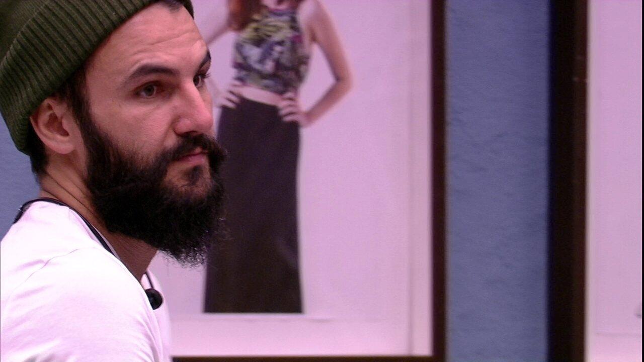 Wagner fala sobre Nayara: 'Foi fazer leva e traz'