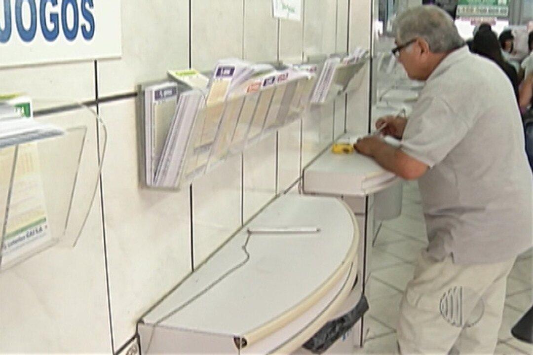 Mogianos vão para as lotéricas em busca de prêmio de R$ 100 milhões