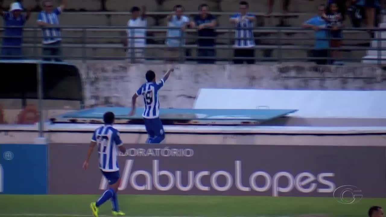 Didira recebe assistência de Echeverría e marca contra o Dimensão aos 42' do 1º tempo