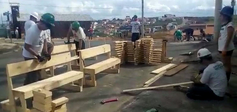 Voluntários constroem Capela dedicada a Santo Antônio em Cruzeiro (SP)