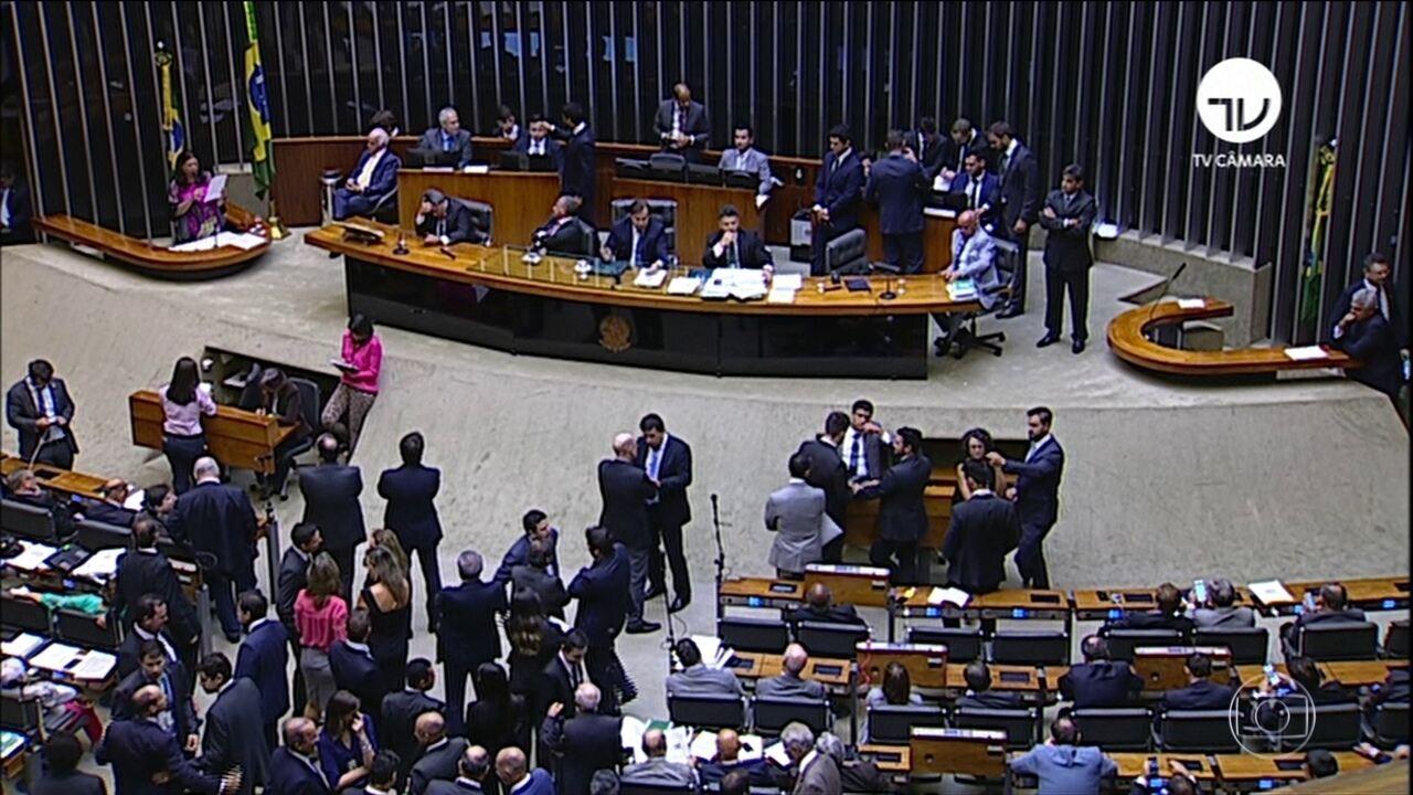 Resultado de imagem para Senado conclui aprovação de decreto DE INTERVENÇÃO NO RIO DE JANEIRO