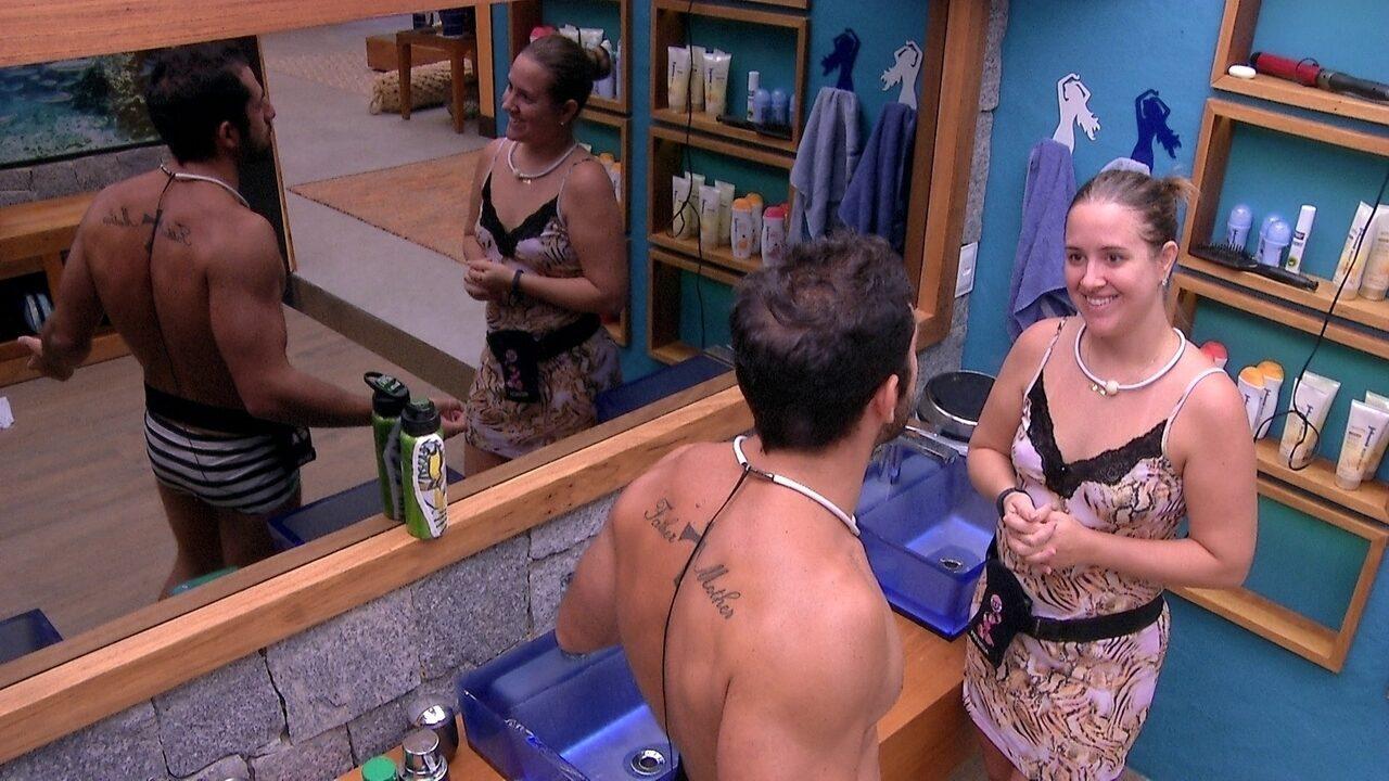 Kaysar e Patrícia combinam brincadeira para enganar brothers