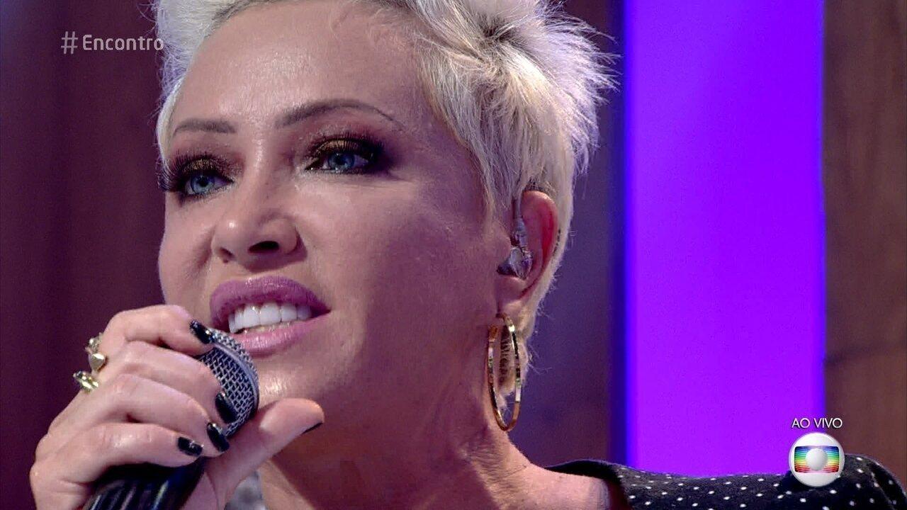 Deborah Blando canta 'Innocence'