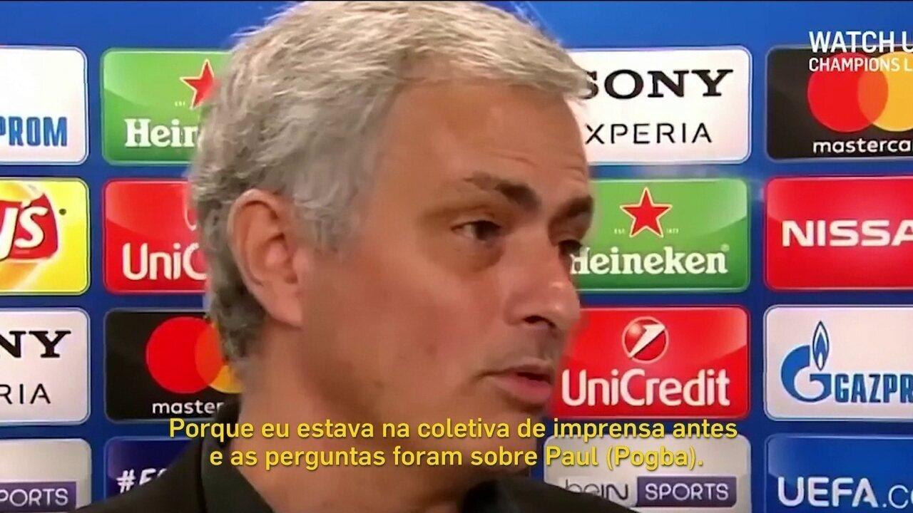 José Mourinho se irrita com perguntas sobre Pogba, mas depois abraça repórter