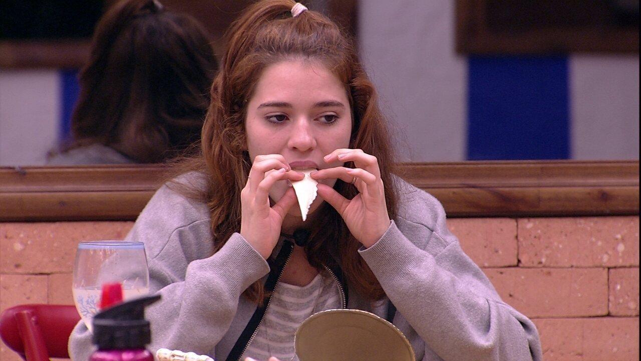 Ana Clara sobre ir para o Tá com Nada: 'Me preocupo com o costume que a gente tem aqui'