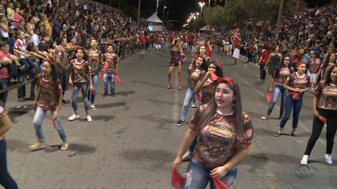 Escolas de samba começam ensaios técnicos para o carnaval em Uruguaiana