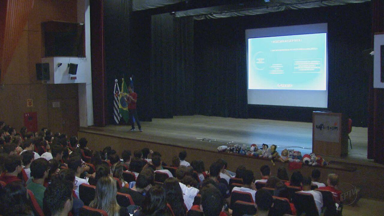 Mais de 300 estudantes participam de encontro sobre empresas juniores