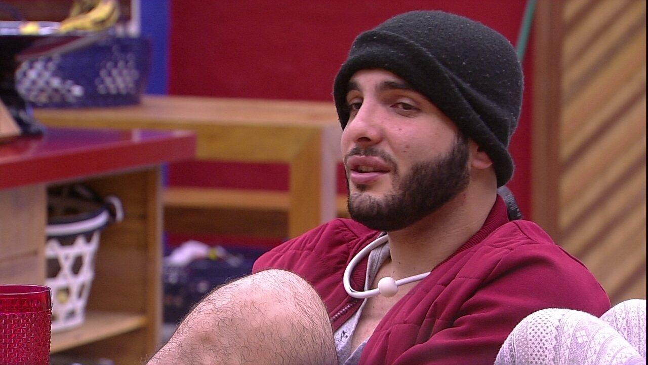 Mahmoud diz ter sorte de não ter ido ao Paredão contra a Família Lima