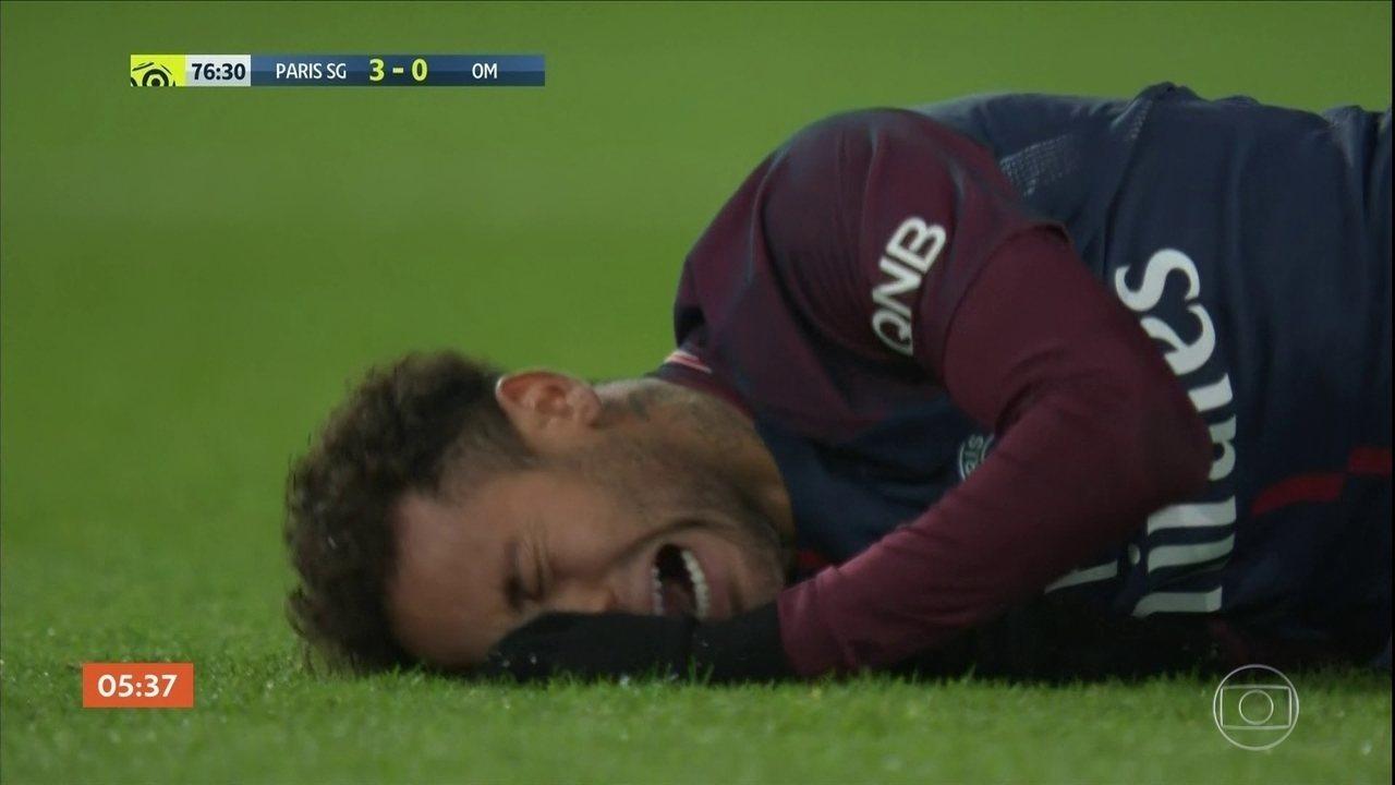 Neymar faz exames para avaliar a extensão de lesão durante partida na França