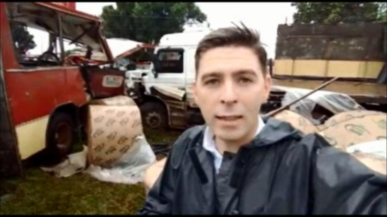 Acidente entre caminhão, ônibus de trabalhadores rurais, moto e carro deixa feridos em Cascavel