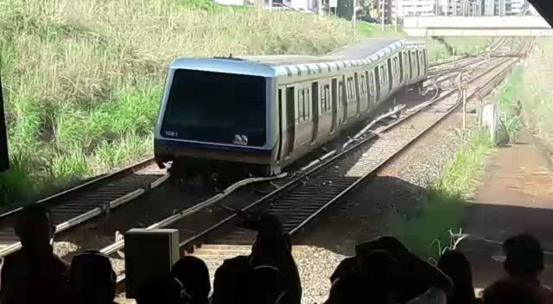 Trem do metrô descarrila em Brasília e interrompe circulação