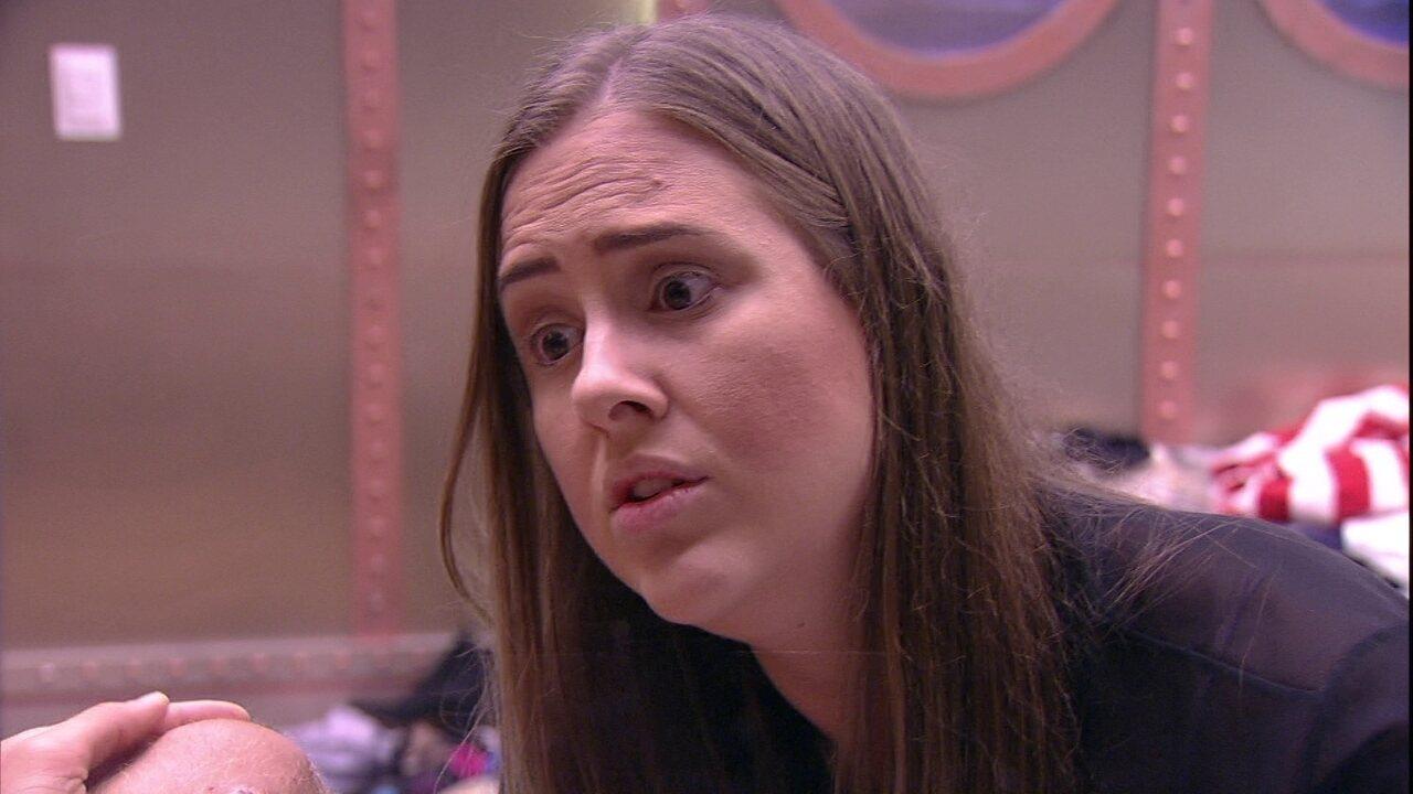 Patrícia explica para Kaysar: 'O que eu sinto por você é forte'