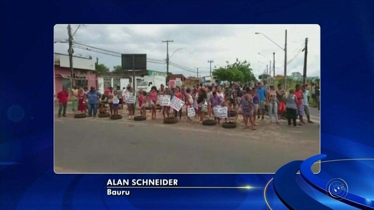 Moradores de assentamento fazem protesto contra reintegração de posse