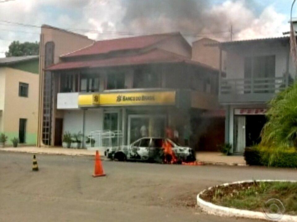 Agência bancária de Três Palmeiras é atacada