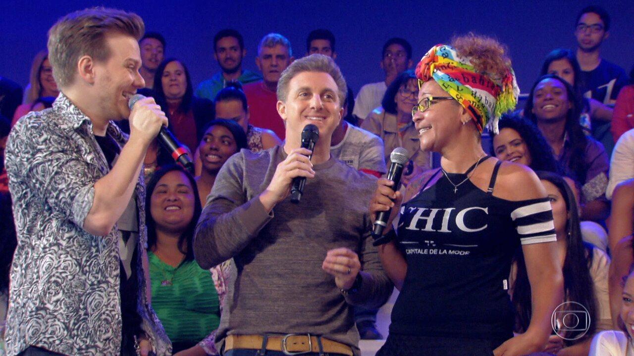 Michel Teló canta música de Tatiane no 'Essa Música é Minha'