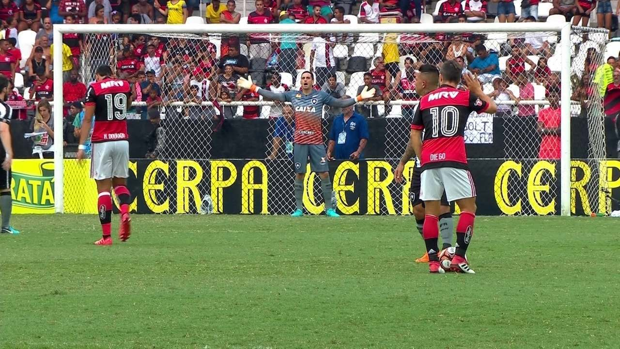 Gol do Flamengo! Rhodolfo sobe bem de cabeça e abre o placar aos 3' do 1º Tempo