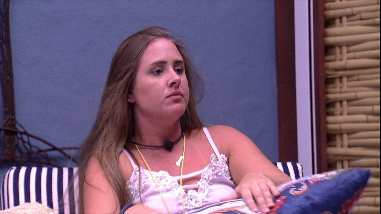 Patrícia detona Paula: 'Qual a função dela? Fazer doce e rebolar no meio das festas'