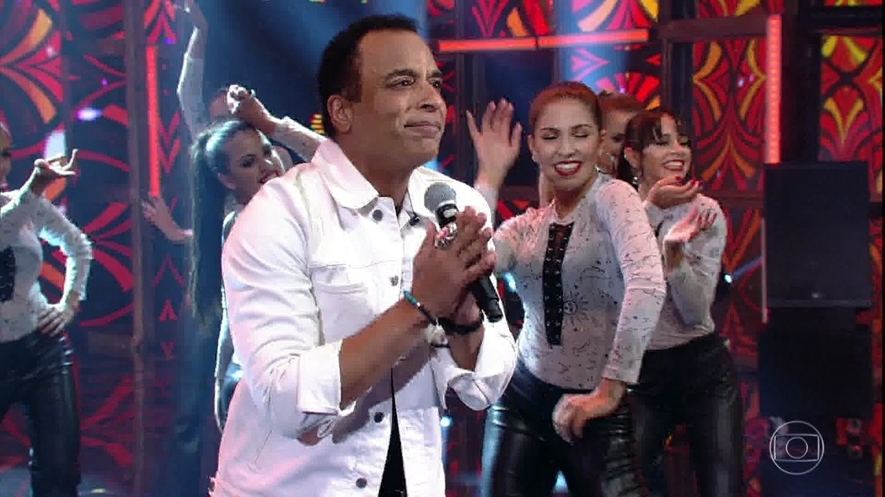 Jon Secada se apresenta ao som de 'If you go'