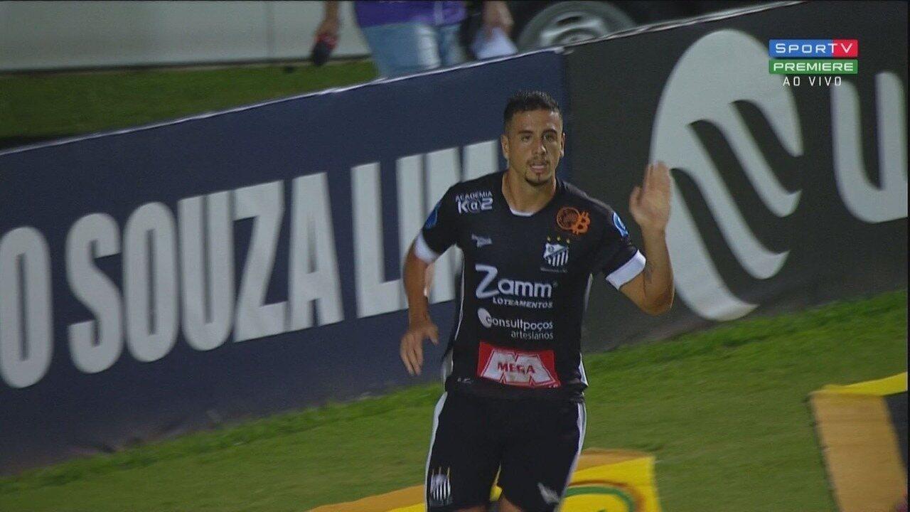 Gol do Bragantino! Matheus Peixoto abre o placar aos 33 minutos do primeiro tempo