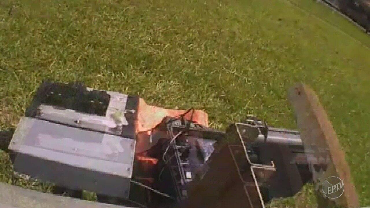 Motociclista depreda radar na Rodovia Zeferino Vaz em Paulínia; confira vídeo