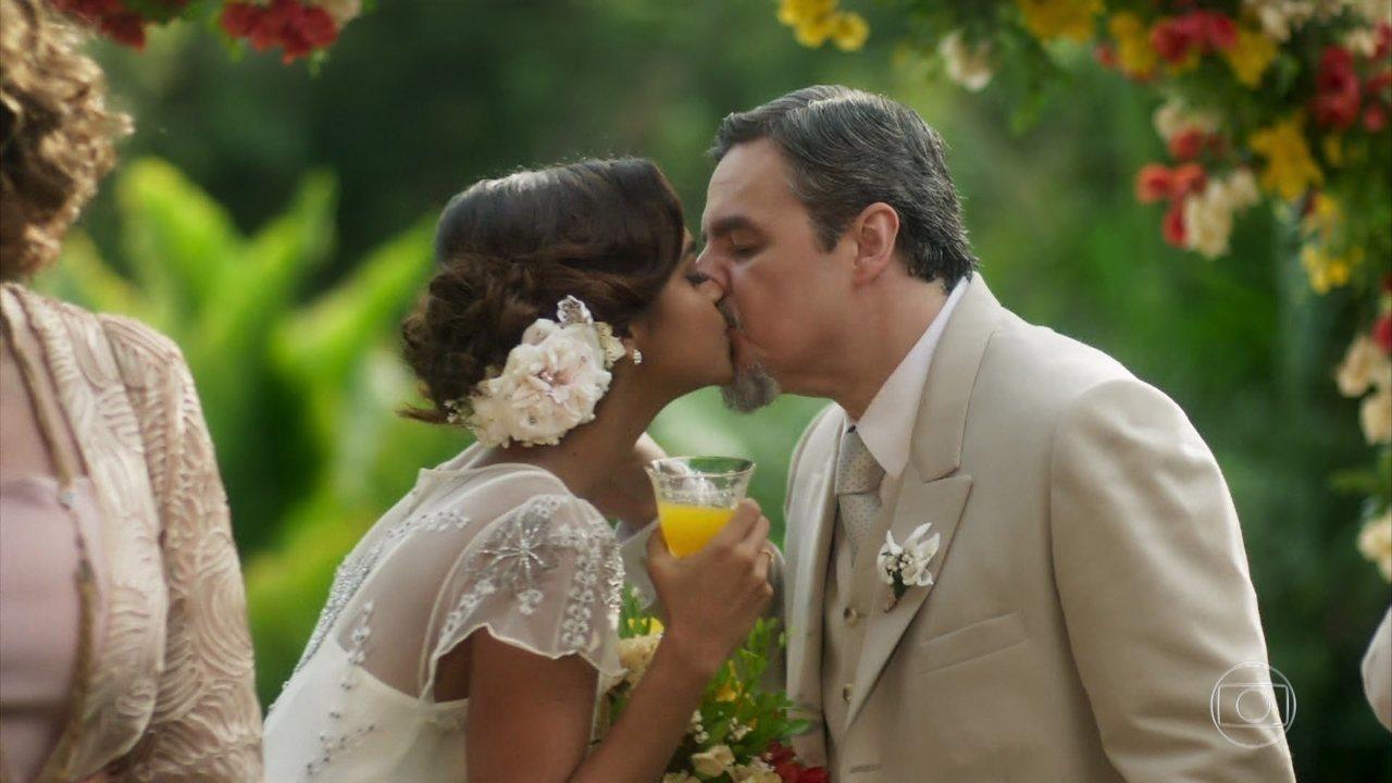 Eunice e Reinaldo se casam
