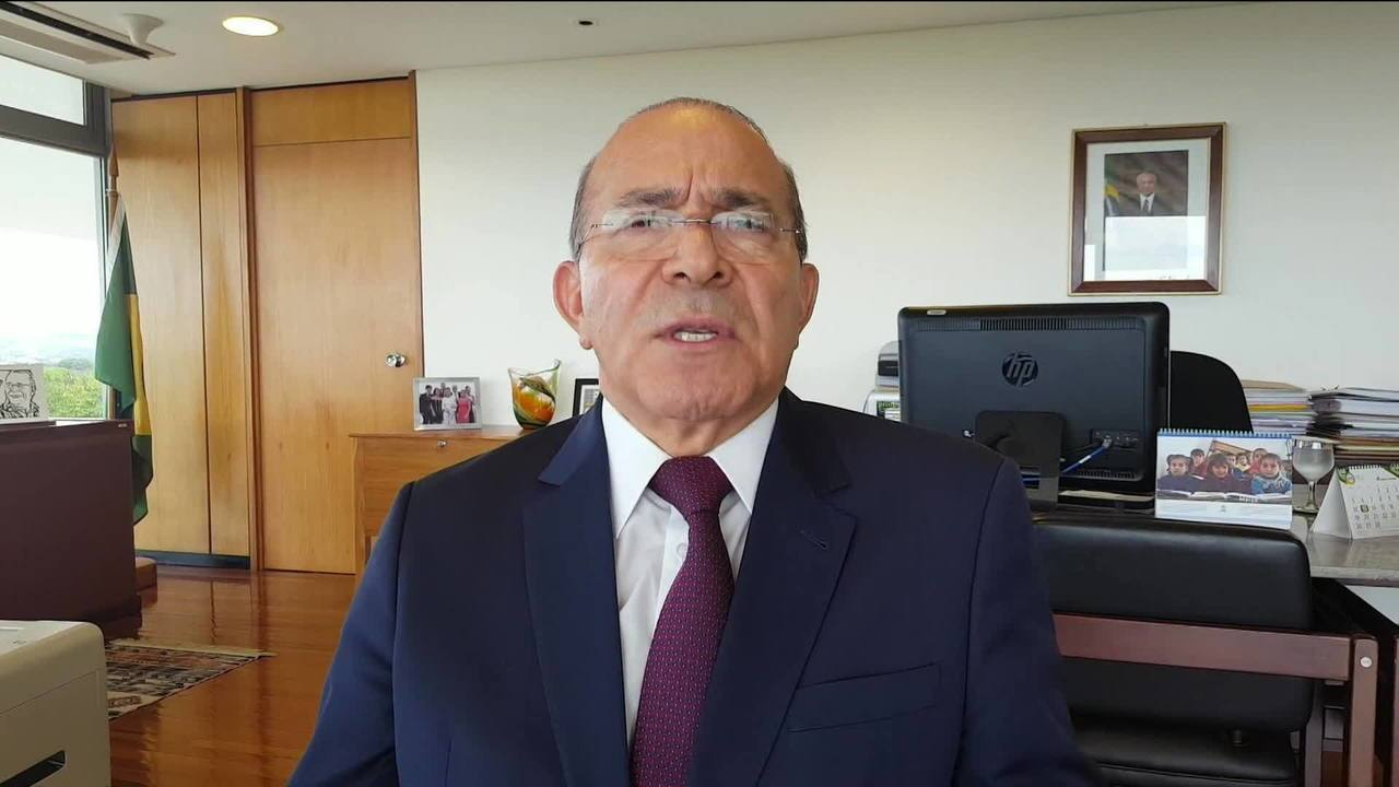 Camarotti releva como governo vai usar reforma ministerial para conseguir apoio na eleição
