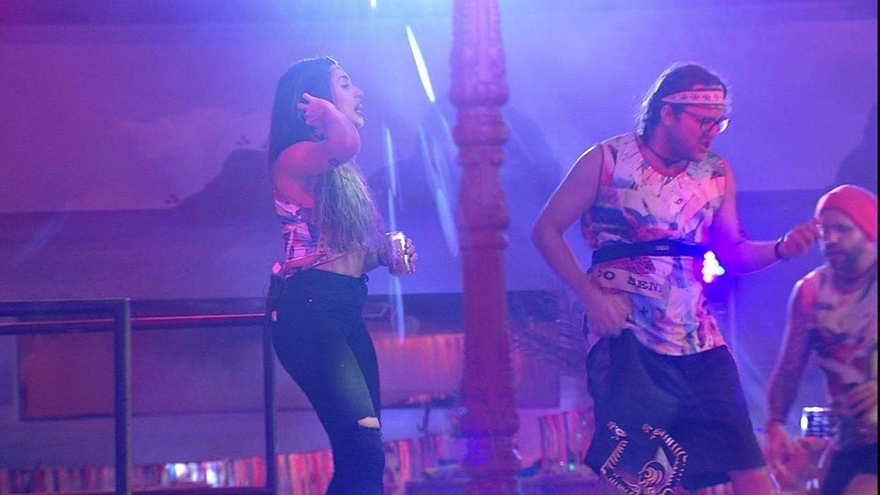 Paula, Diego e Caruso cantam Cazuza na Festa Axé