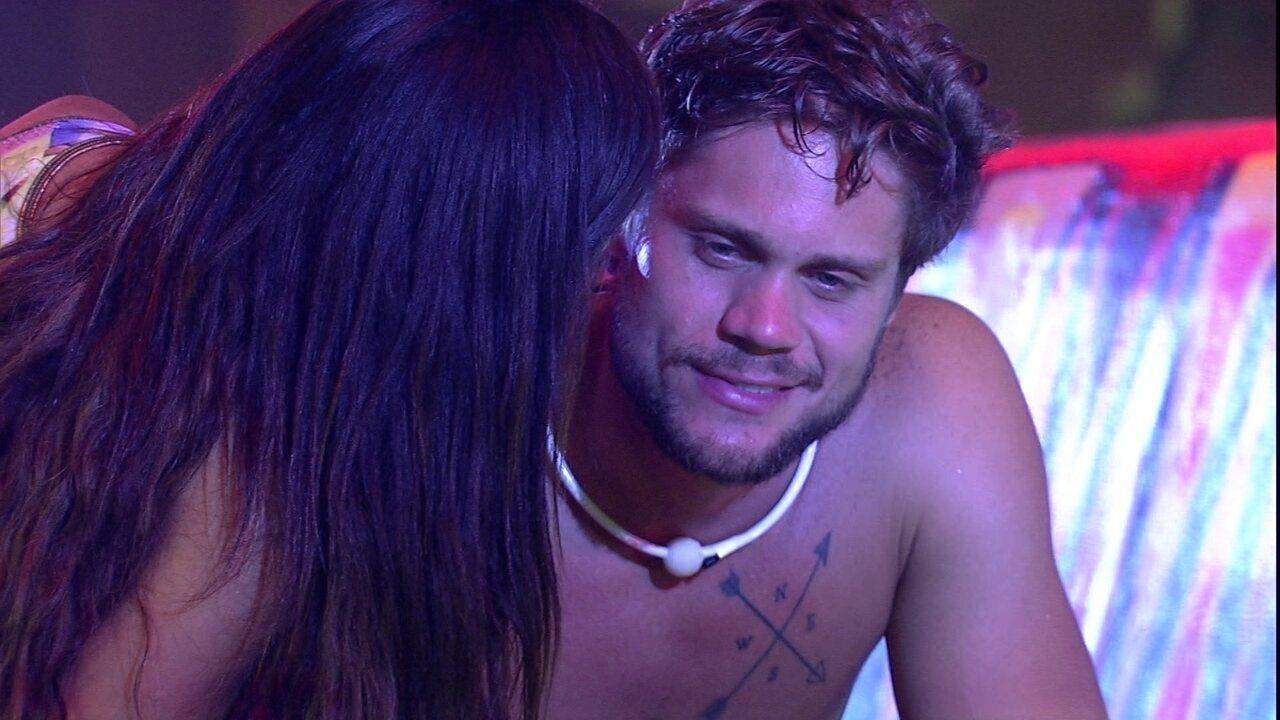 Breno dispara para Paula: 'Se você deitar na minha cama, eu te dou um beijo'