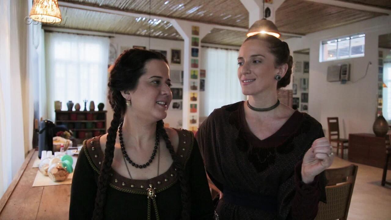 Julia Guerra e Carolina Ferman falam da possível amizade entre Latrine e Lucíola